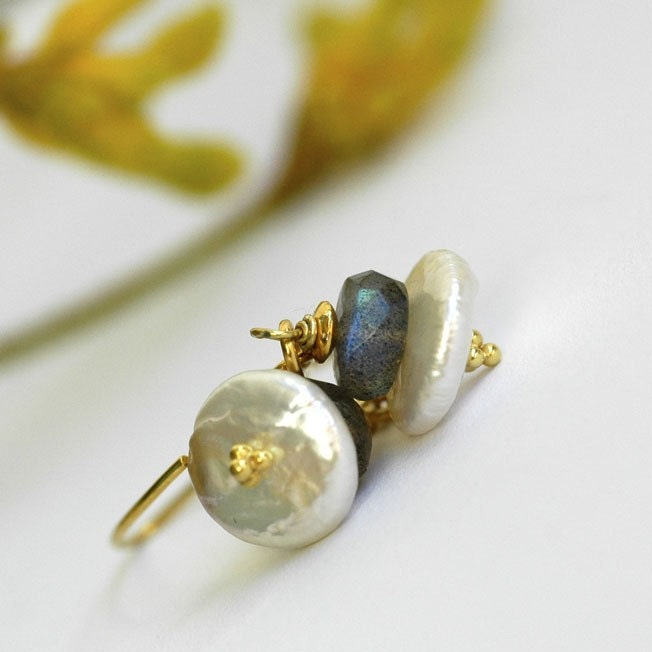 Earrings - Labradorite - Pearl - Gold