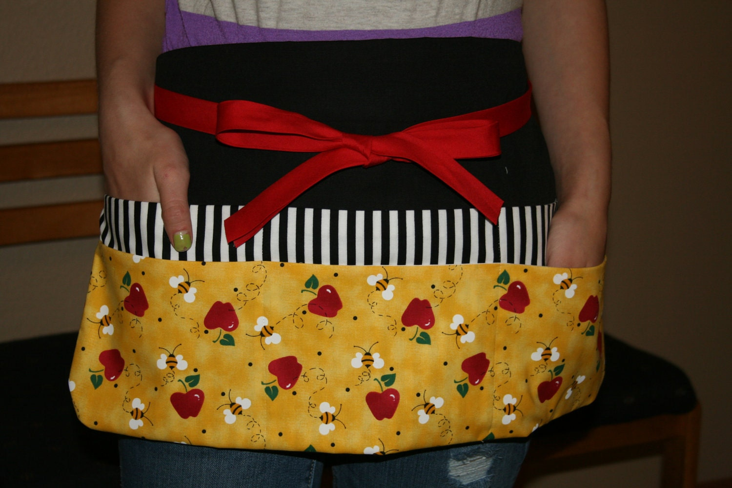 Bees and Apples Teacher apron with striped pocket