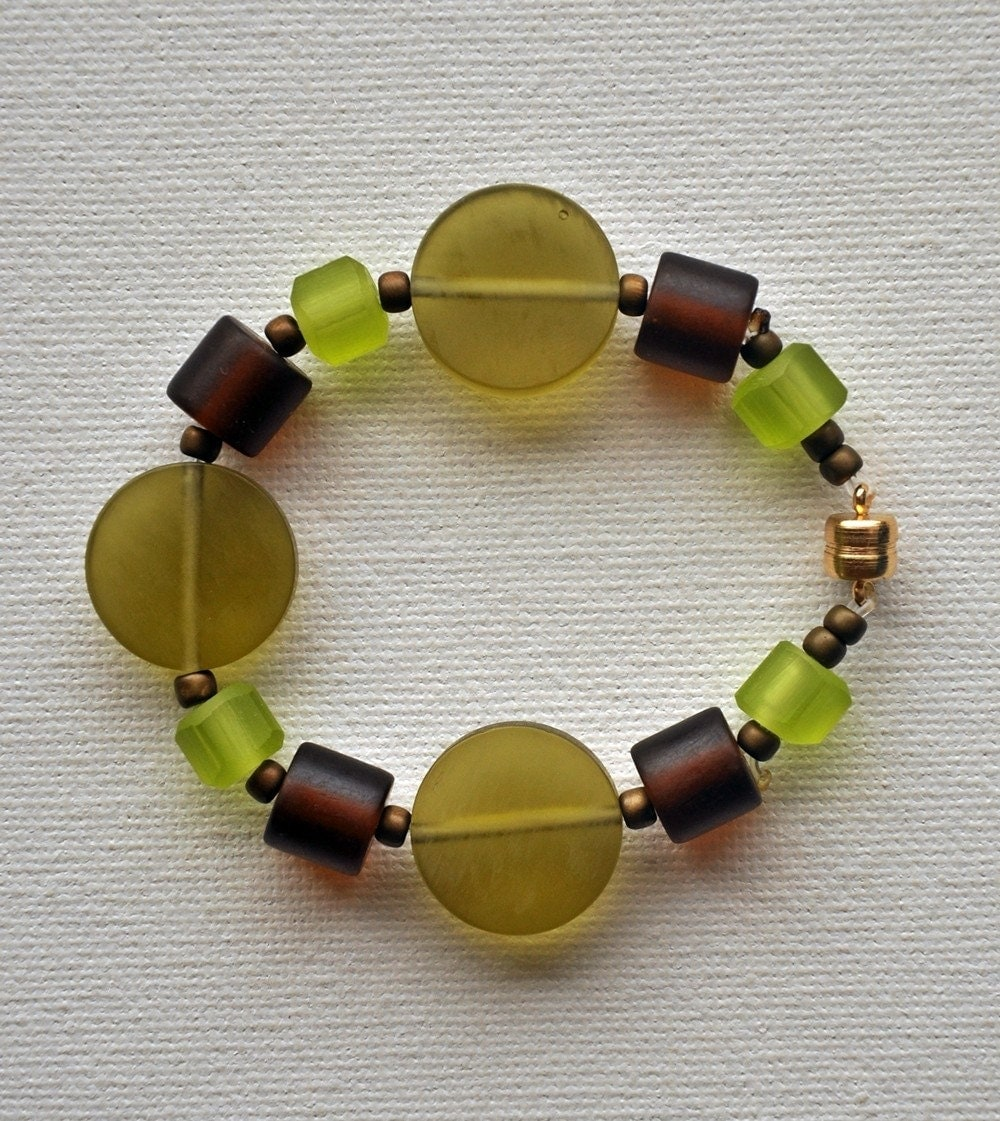 Green and Brown Resin Beaded Bracelet