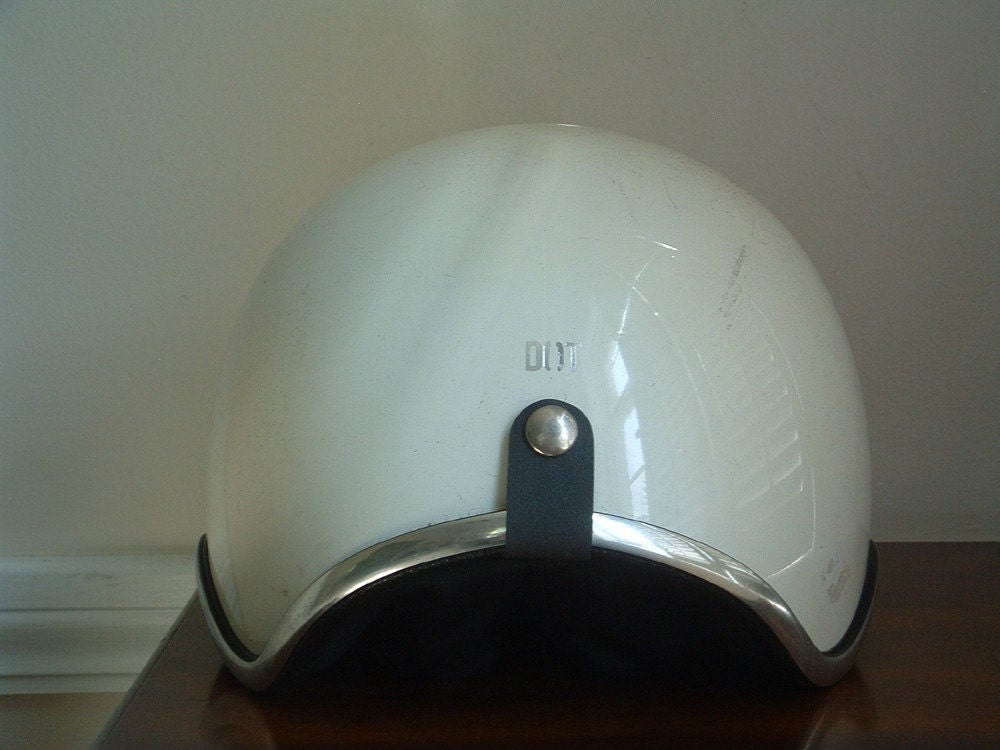 Modern German motorcycle helmet by DOT
