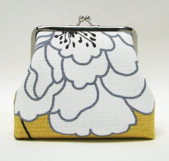 Bridesmaids gifts - Iphone Inn , 2 card pockets, 5 in - Big white flowers