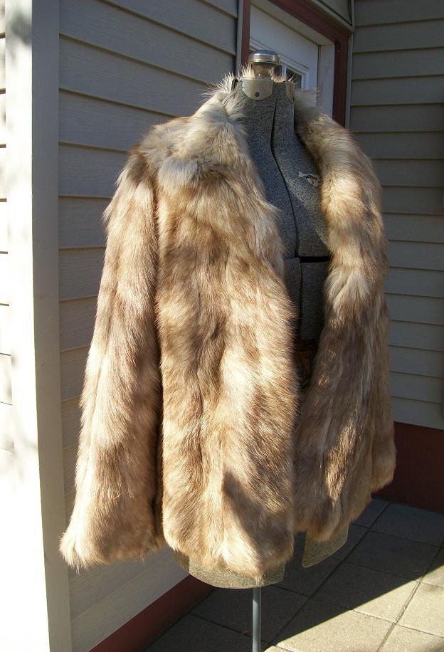 Wolf Fur Coat >> Vintage Russian RED WOLF Fur Coat Short Length by greyvintage