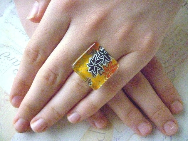 Autumn Leaf - Square Glass Ring - Japanese Paper - designsoftheheart