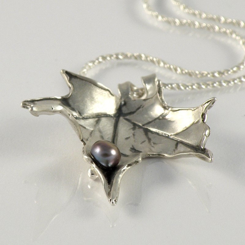 AUTUMN LEAF - Sterling Silver Necklace