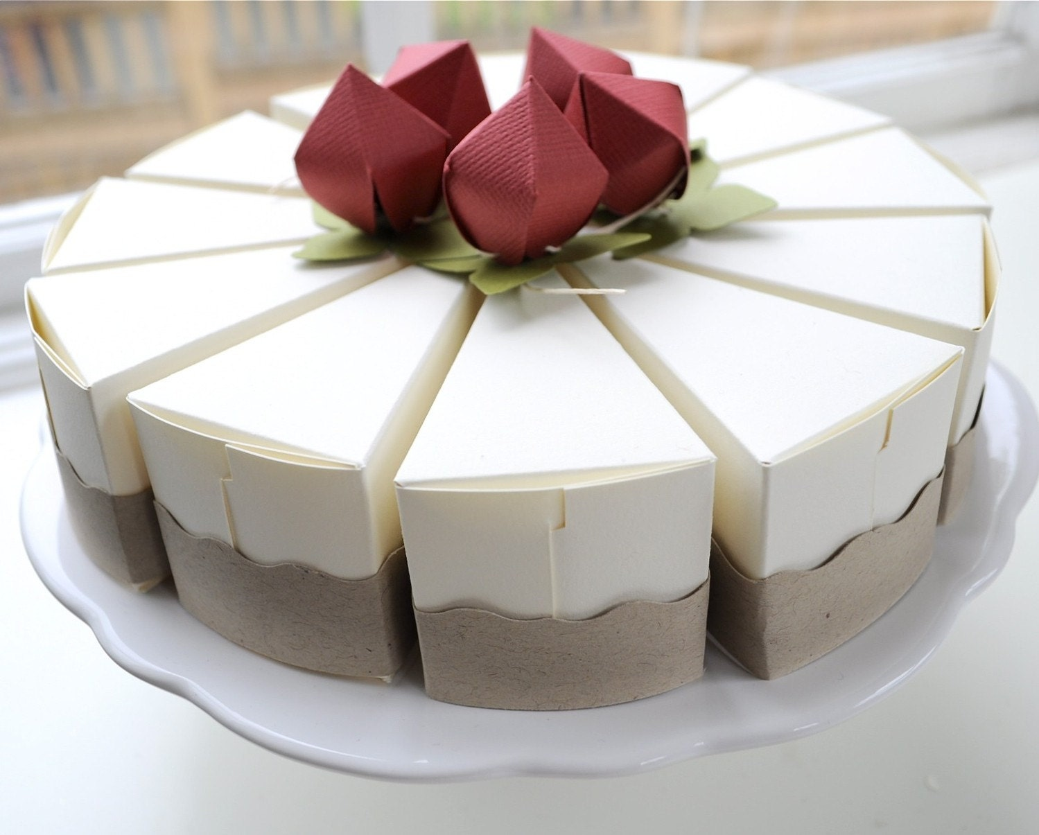 Cake shaped cake boxes from imeon design