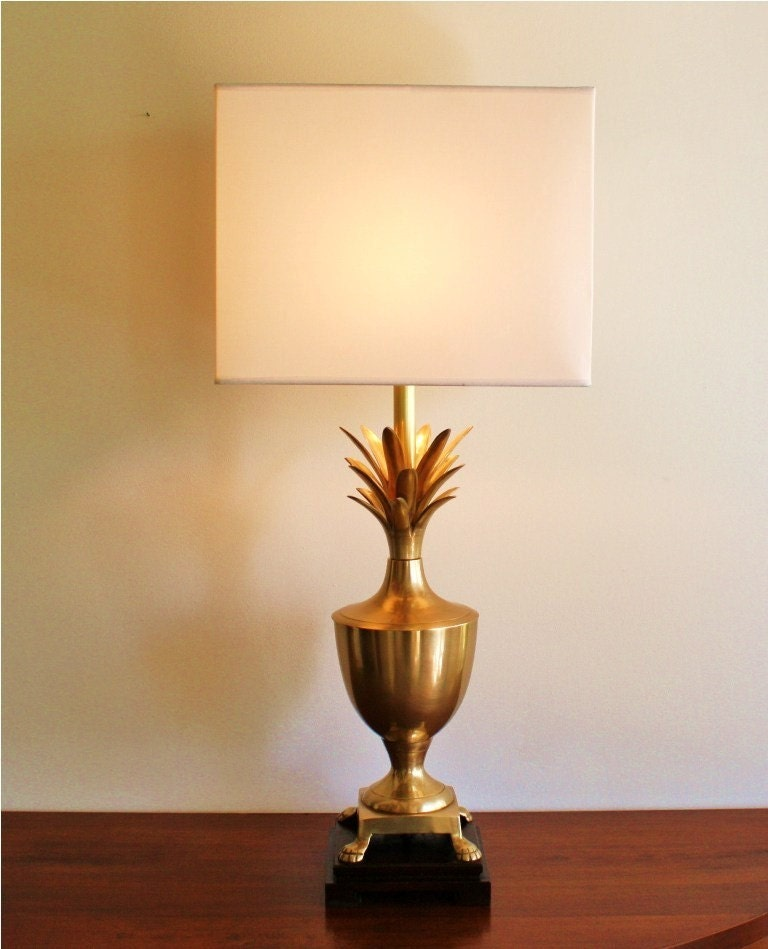 vintage brass pineapple table lamp large by highstreetmarket. Black Bedroom Furniture Sets. Home Design Ideas