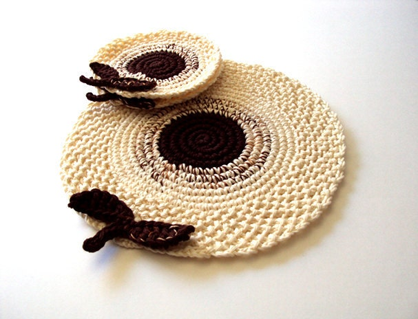Cream Brown Flowers Placemat . Leaves Beverage Nature Drink Decor Crochet Spring Garden Collection