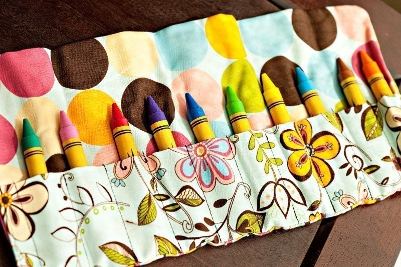 Color Her World: A Crayon Roll Tutorial | A Crafty Fox |