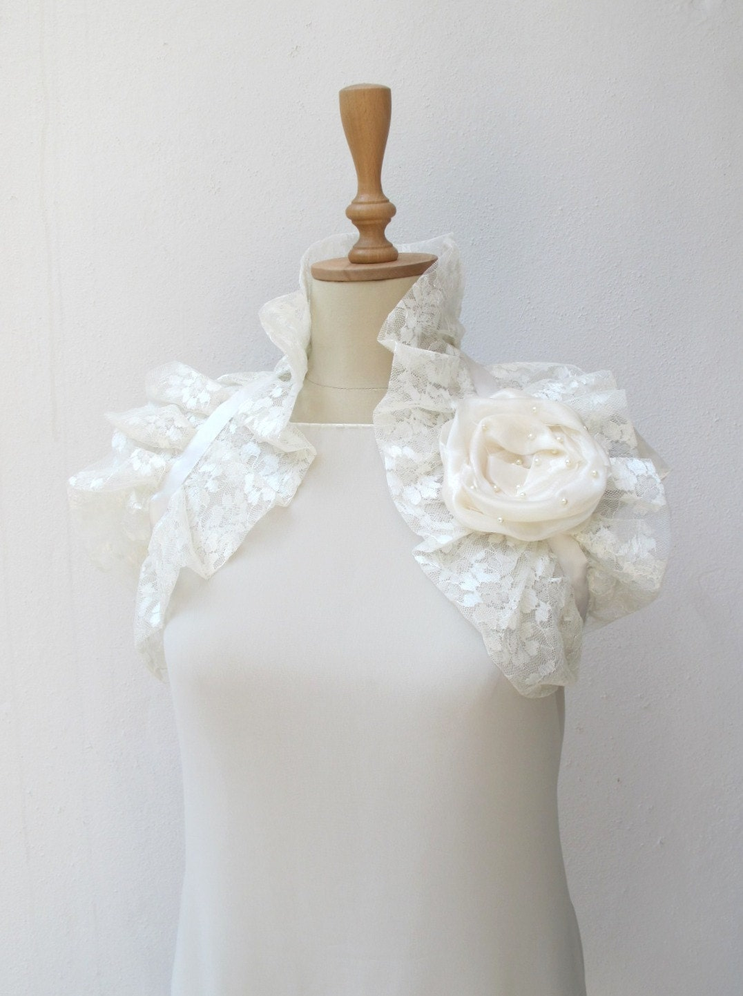 Lace  Shoulder Wrap Bridal  Ruffle Bolero Wedding Shrug Off White