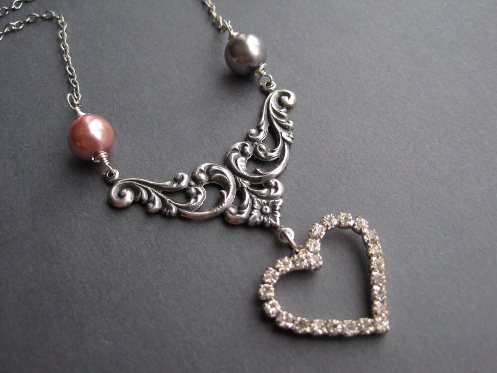 Antique Silver Rhinestone Feminine Heart Necklace - Sparkling Romance
