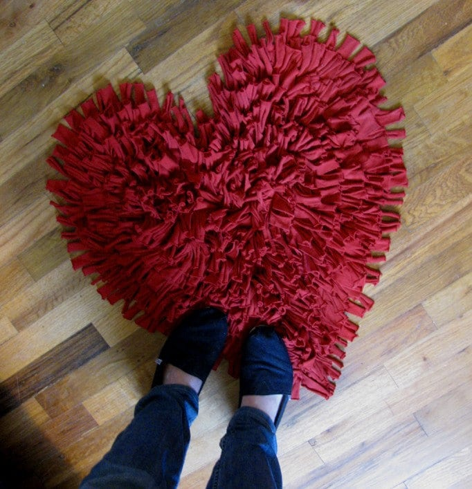 NEW Feel Love Collection Heart Shaped Rug in Oxblood Red