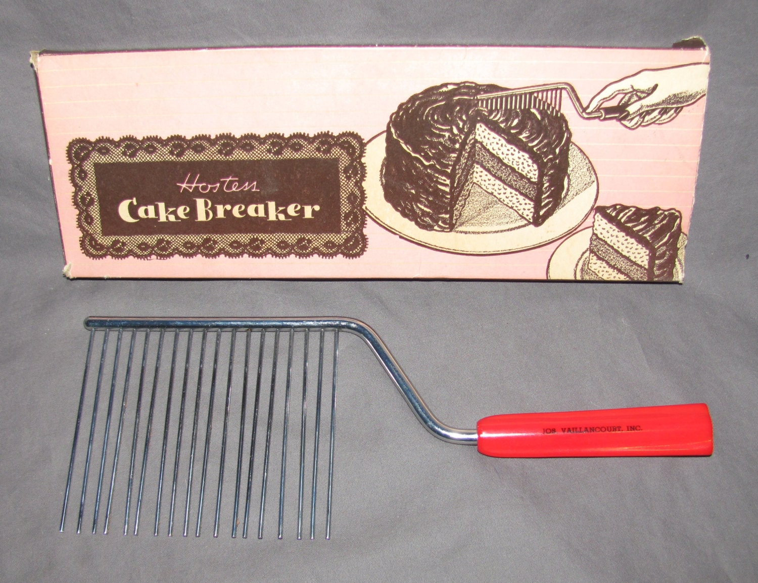 How To Use A Vintage Cake Comb