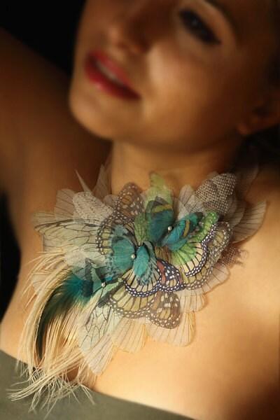 Трепетание цвета бабочки ожерелье с десяти видов Бабочки из органзы