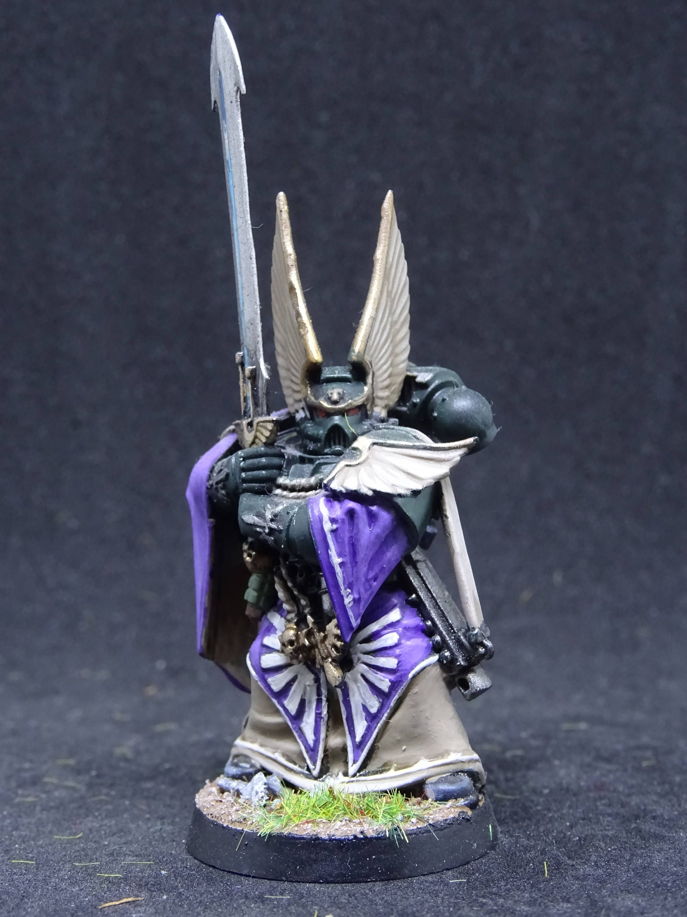 Company Master Balthasar. Dark Angel Space Marine Captain for Warhammer 40000. Hand Painted Miniature from Games Workshop