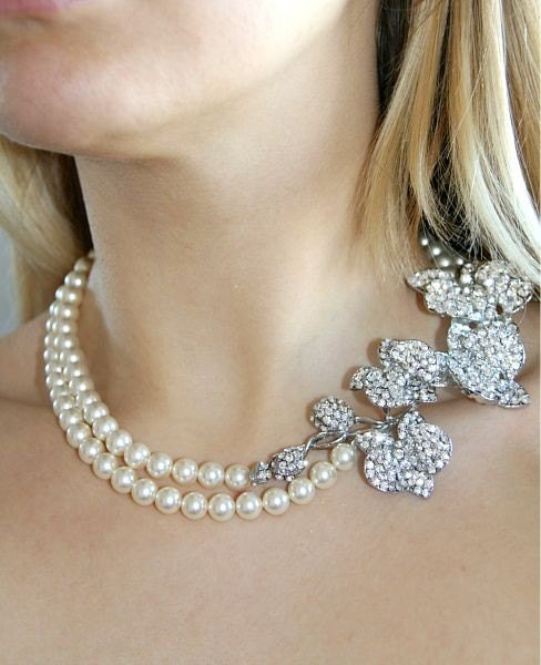 Melody . Vintage style Orchid rhinestones and Swarovski Pearls bridal necklace