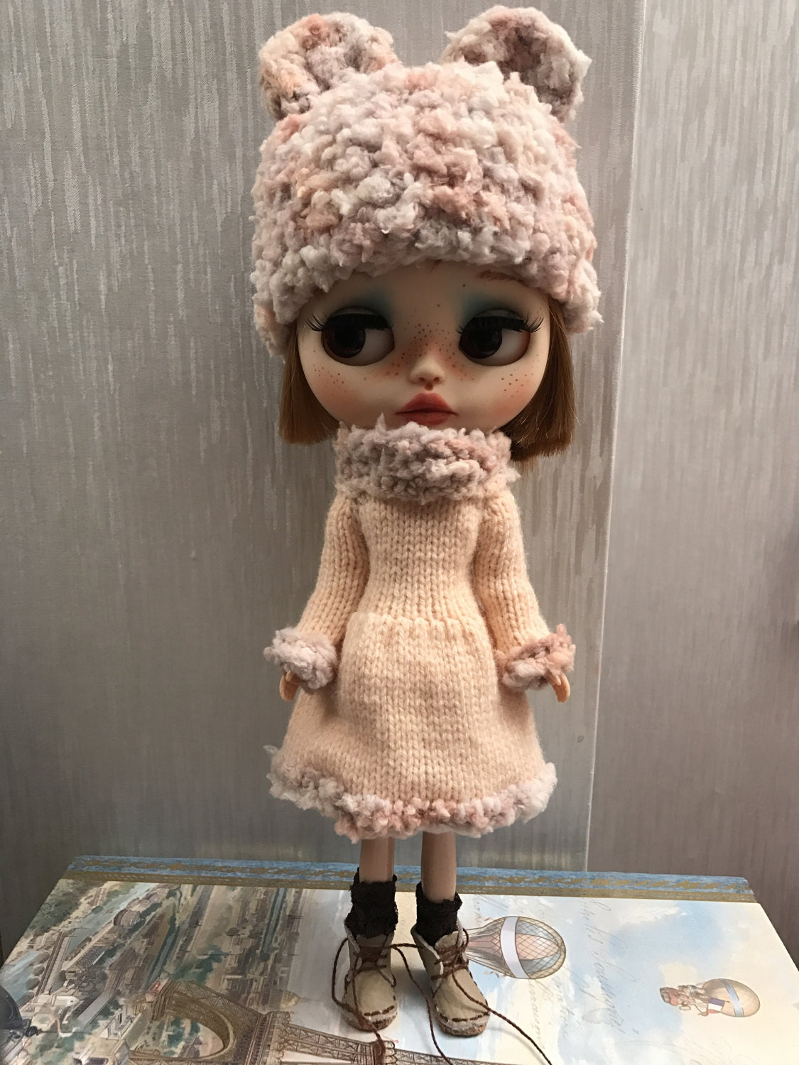 Blythe outfit    hand knitted nude dress with matching fur yarn hat