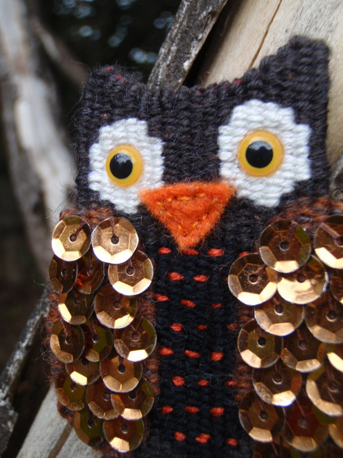 Sequined Woven Wise Owl Brooch
