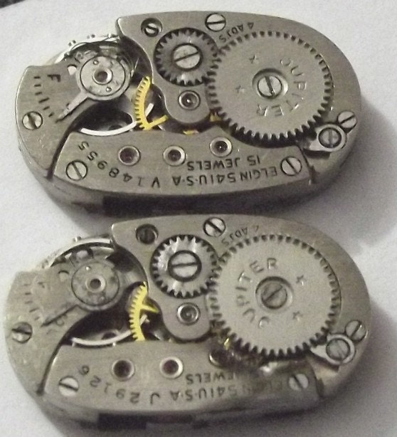 2 VINTAGE Elgin Watch Movements With 17 GENUINE Rubies Each. (A11-16)