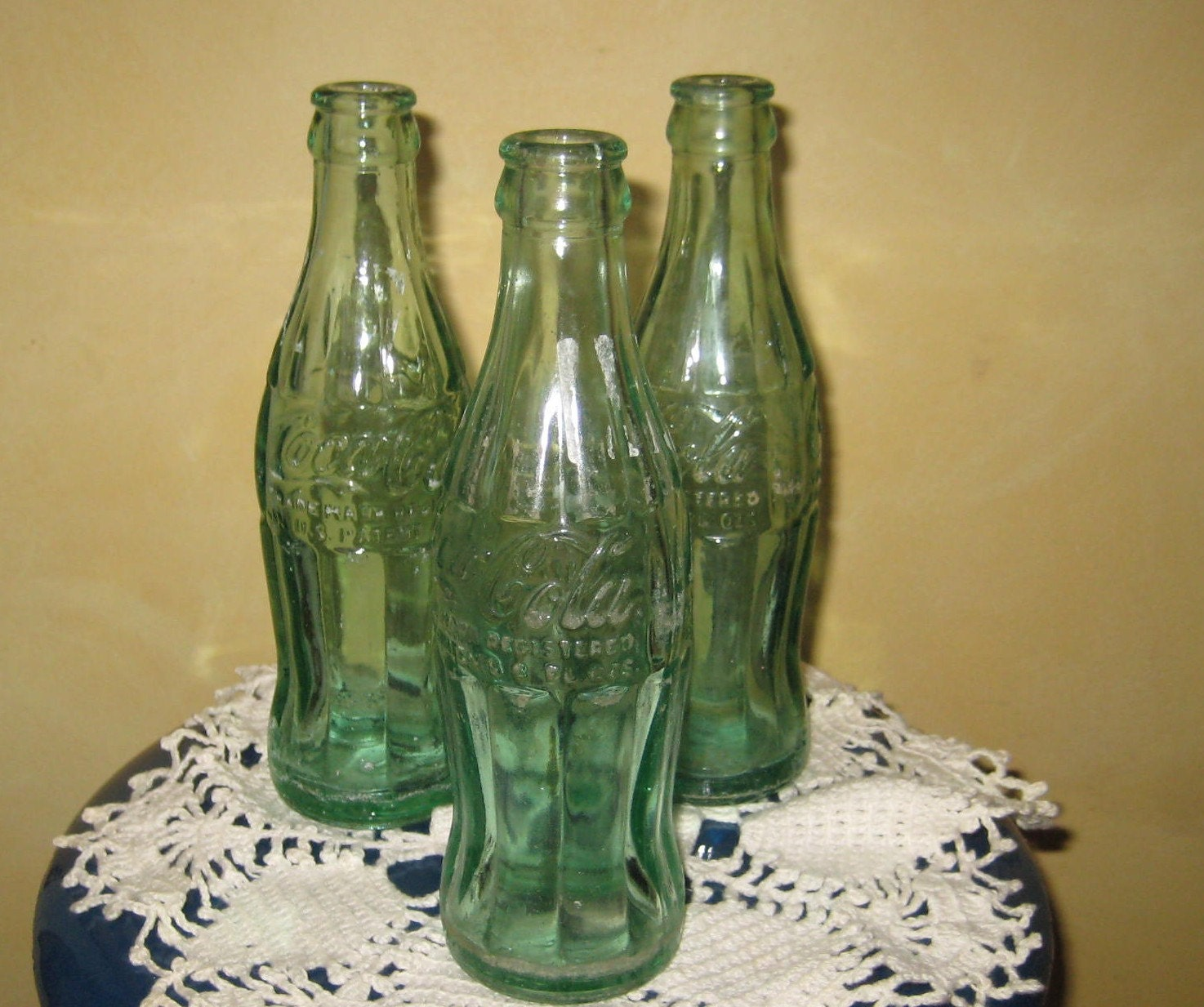 dating antique coke bottles Coca-cola bottles, cans & related coca-cola bottles have varied throughout the years from the vintage soda bottles and bottle carriers to the current day limited edition commemorative coke bottles, cola corner has them.