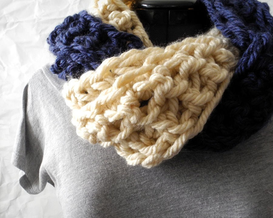 Intertwined Cowl