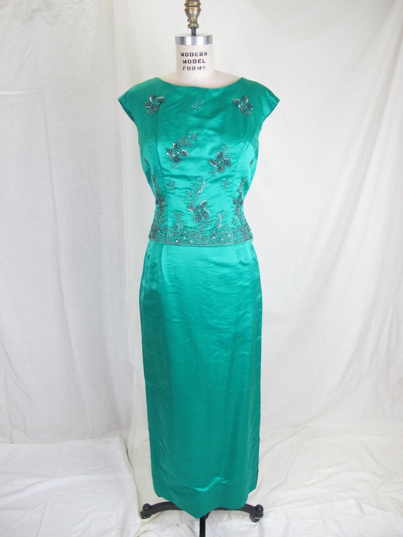 1960s emerald green vintage dress