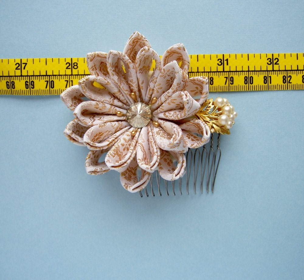 Bright Days Ahead Bridal Flower Comb