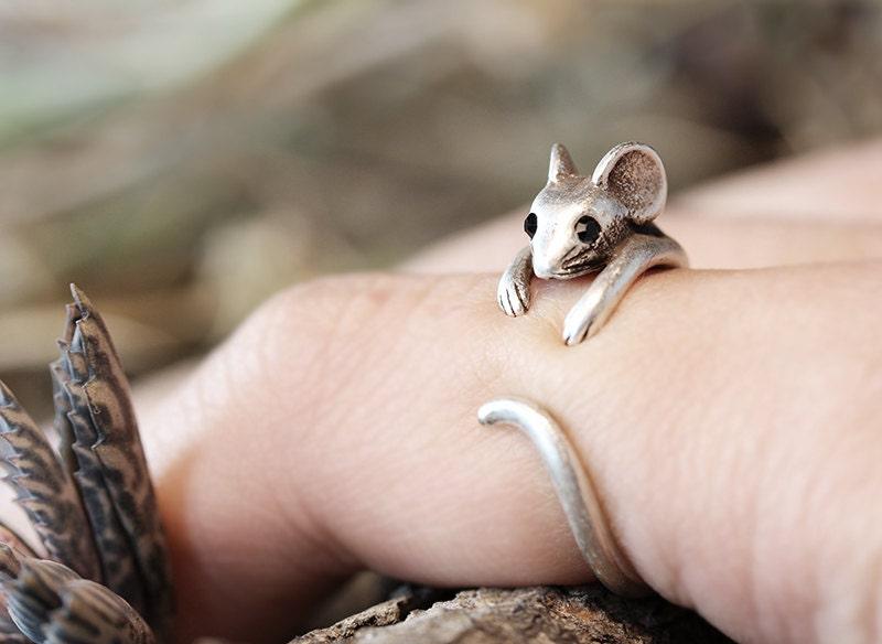 Mouse Ring Womens Girls Retro Burnished Rat Animal Ring Jewelry Adjustable Free Size Wrap Ring Black Crystal gift idea