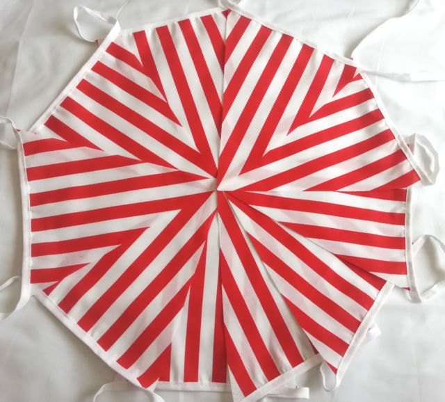 Image of 10ft / 3m Candy Bunting Pennant Garland: Red and White Stripe Barbers Shop Candy Cane