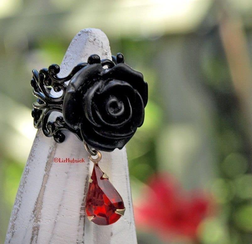 Gothic Vamp Ring - FREE shipping