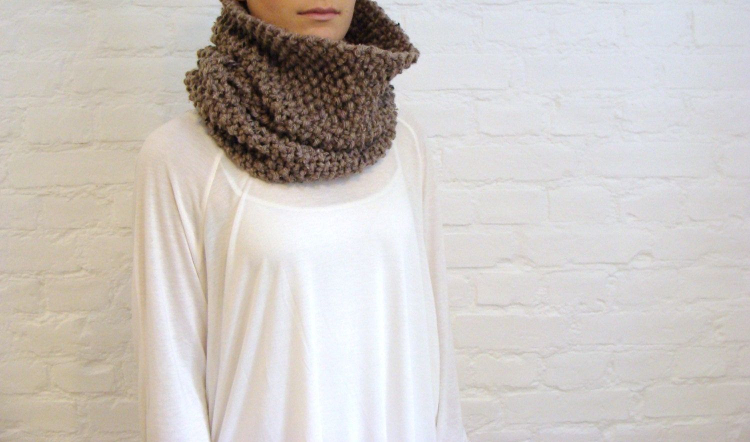 cafe latte warm&soft hand knitted cowl - Farfels