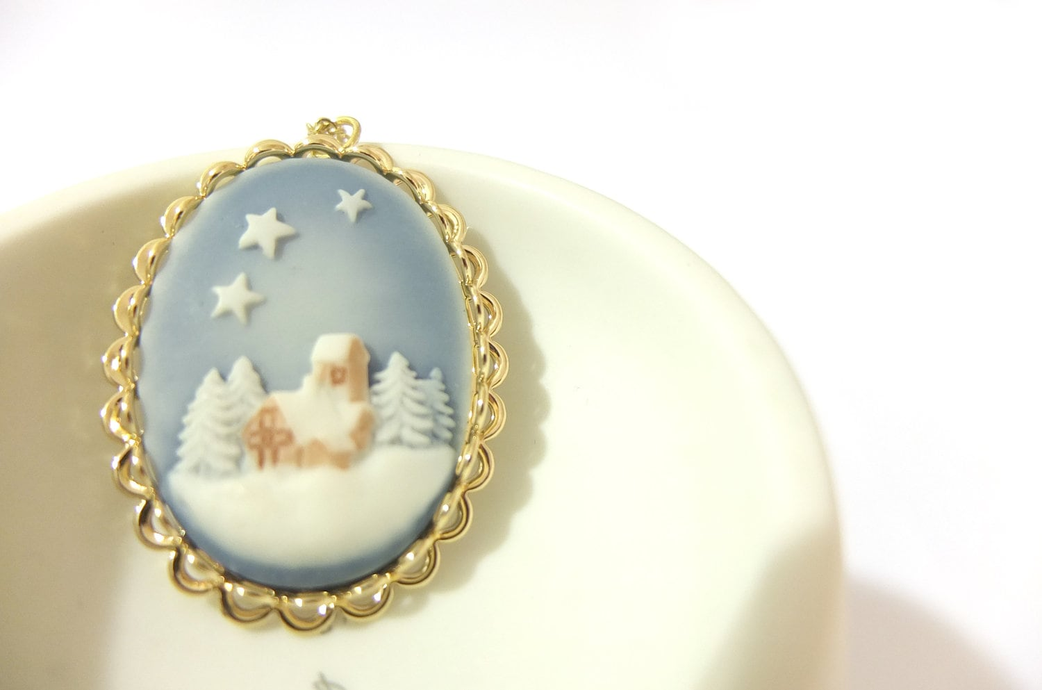 Christmas Necklace, Cameo, Cabochon, Blue Sky, Holly Night, Festive