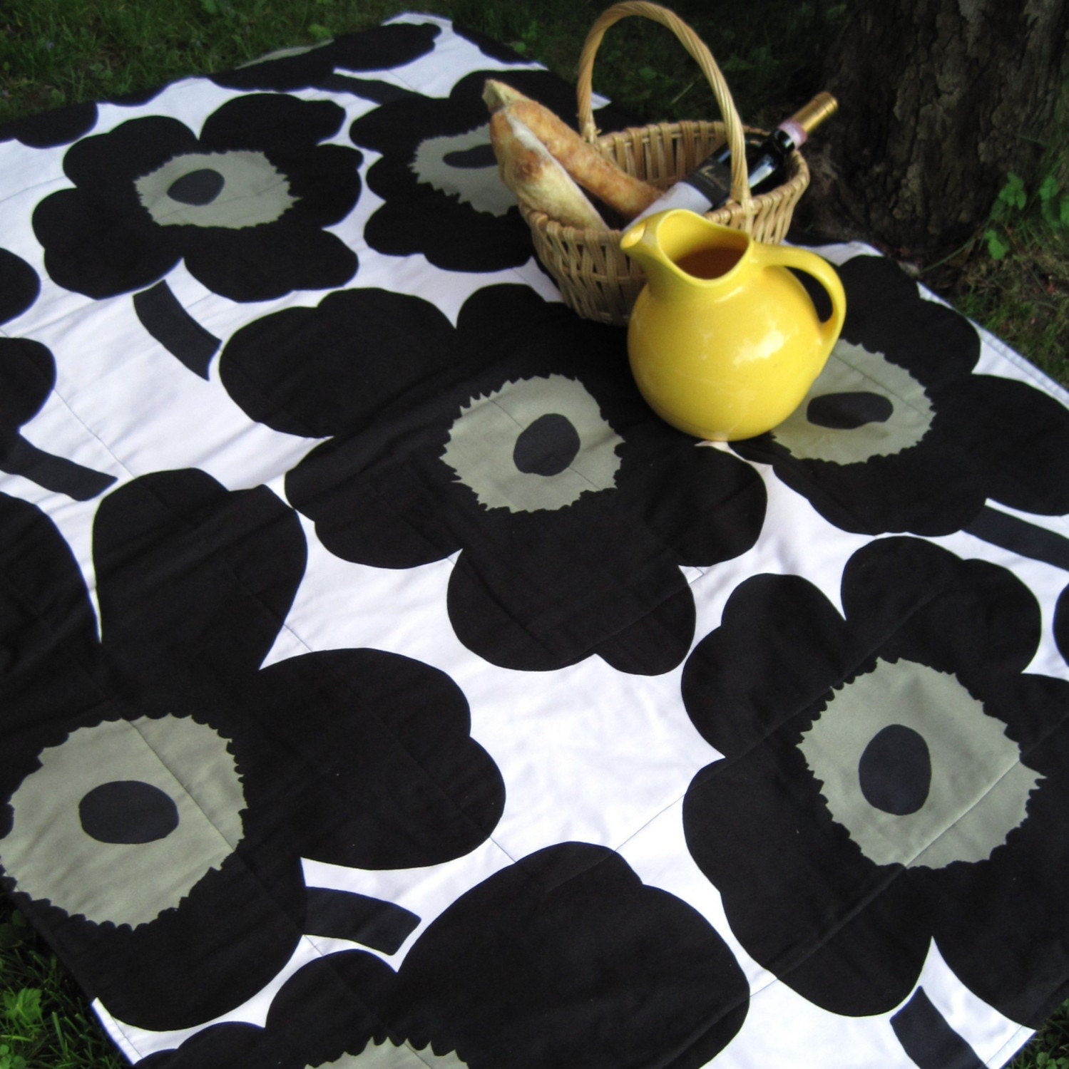 mod marimekko picnic blanket handmade / black white gray poppies (ONLY ONE)