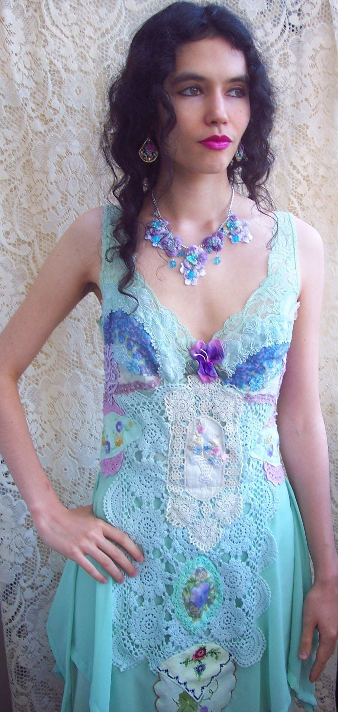 Violets and Pansy Garden and Lace Dress Dress - Size Small