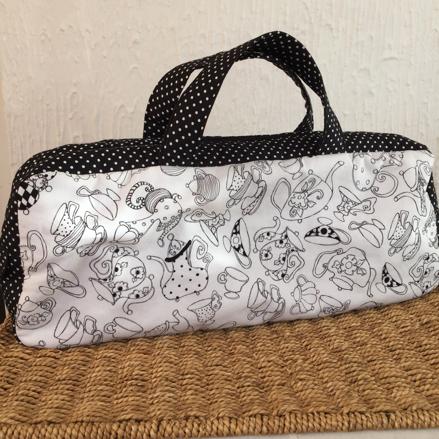 Tea cups and tea pots knitting bag with black and white spotty contrast