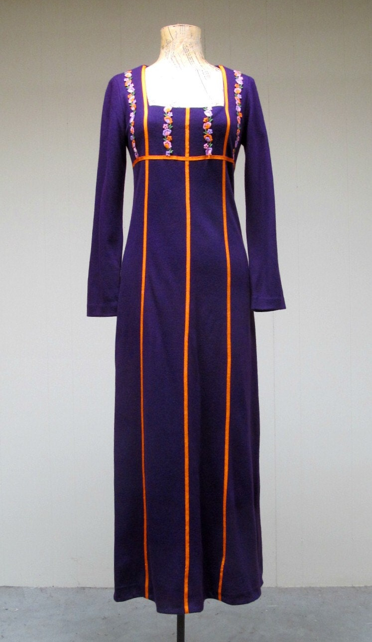 Vintage 1960s Maxi Dress / 60s Purple Hippie Festival Dress / Renaissance Faire / Small - RanchQueenVintage