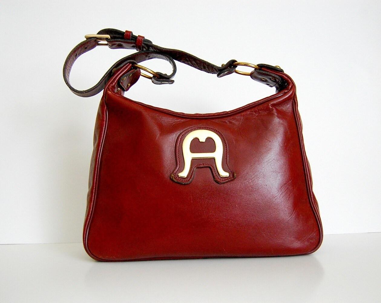 Vintage 1960s Etienne Aigner SADDLE Handbag