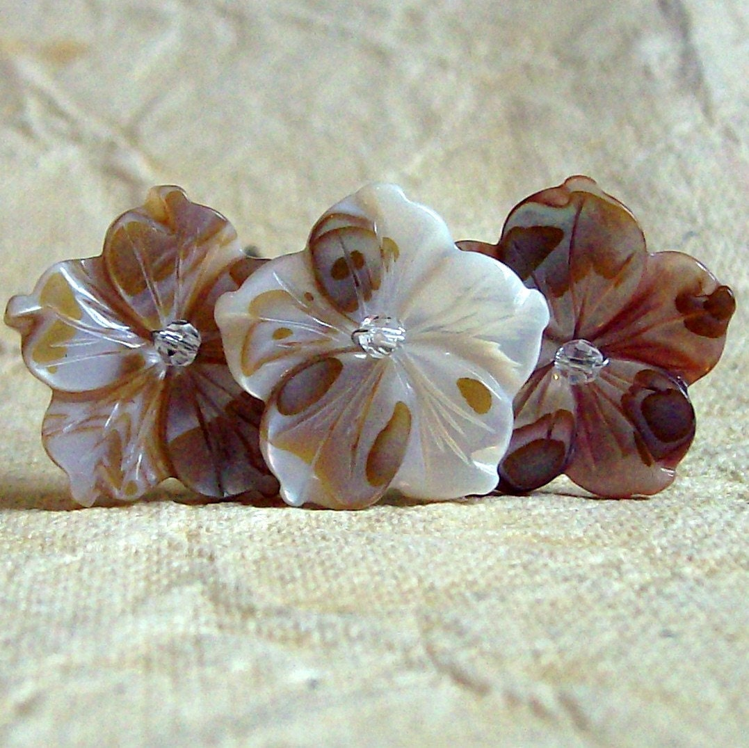 Beaches - Shell Carved Flower Hair Pins (Set of 3)