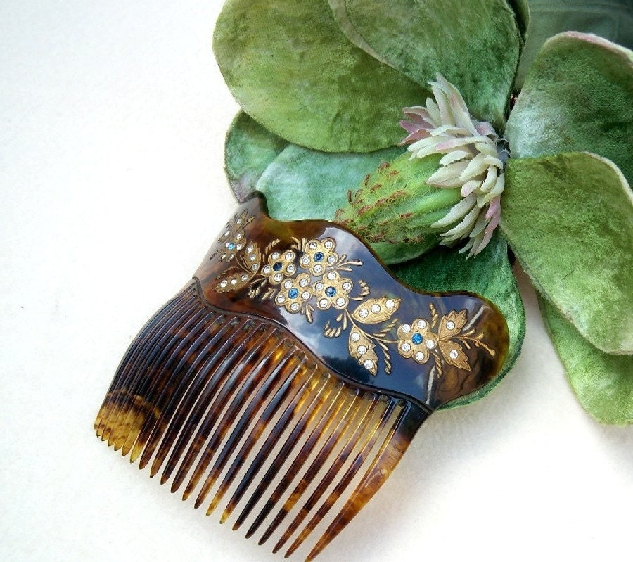 Hair And Tortoise. Vintage hair comb, Victorian