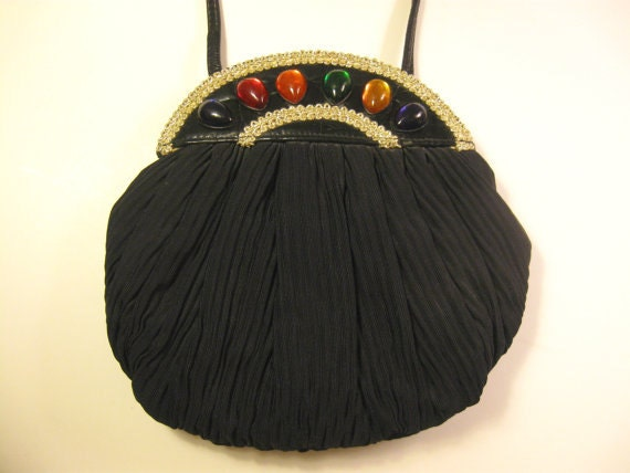 Saks OFF 5TH Fashion Outlet: Discount Designer Handbags, Shoes, Dresses, Sunglasses & More