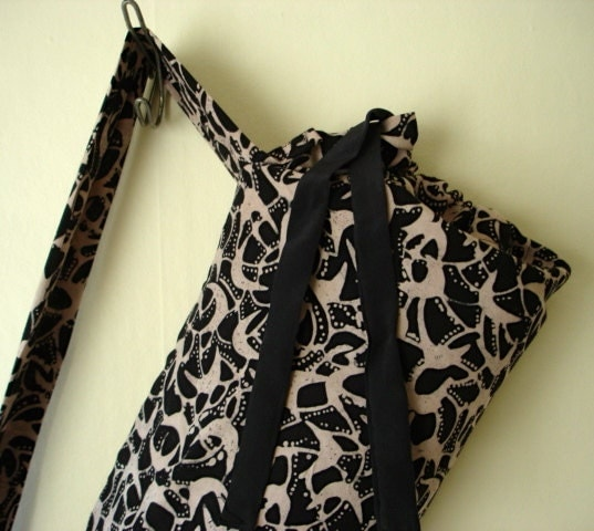 Batik print Yoga/Pilates mat carrier. Lightweight material, lined, drawstring. Fits standard sized mat. - UpwardSpiralGallery