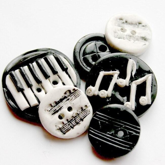Melody (handmade buttons 6)