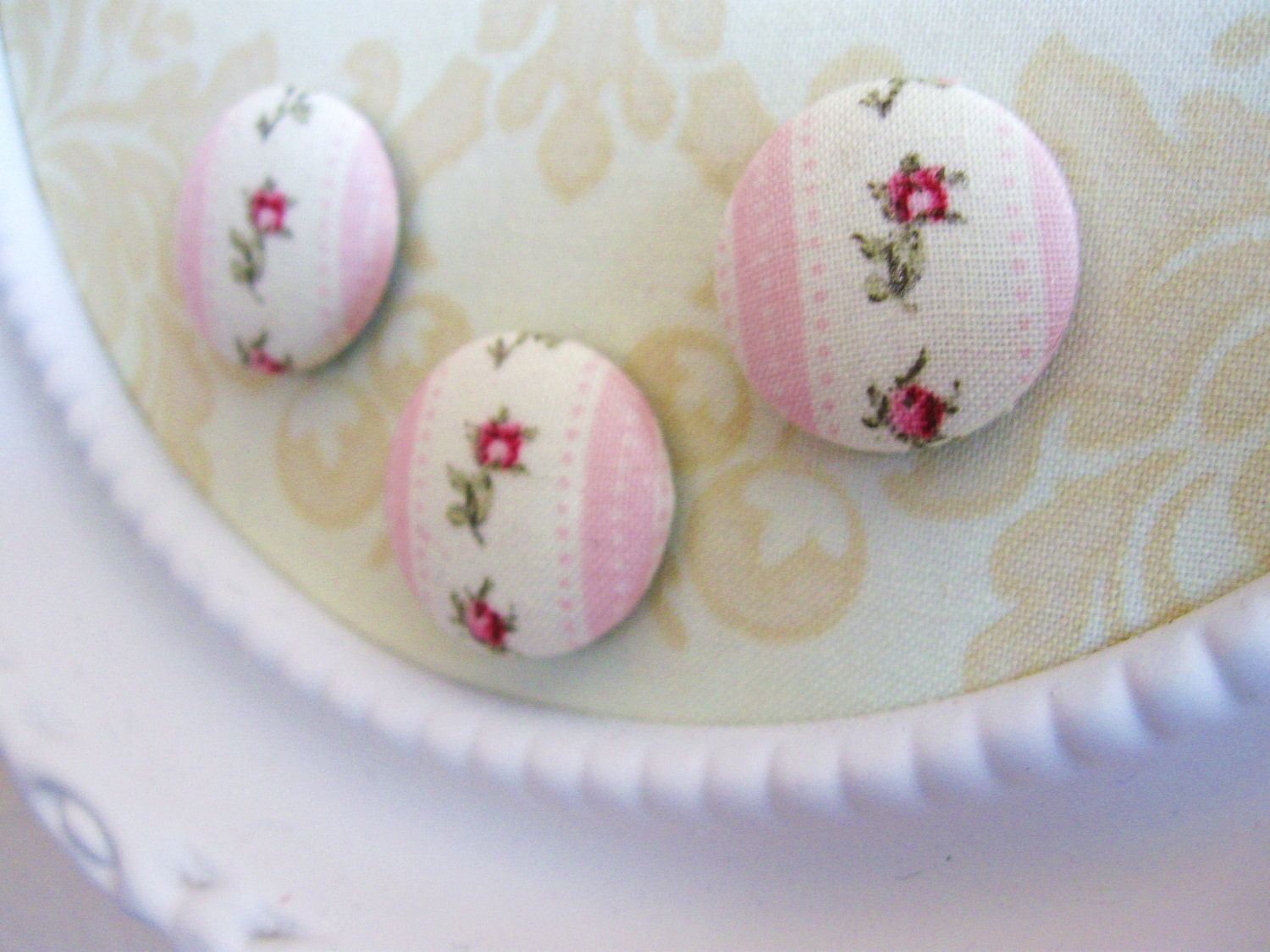 Romantic Rosebud magnets set of three