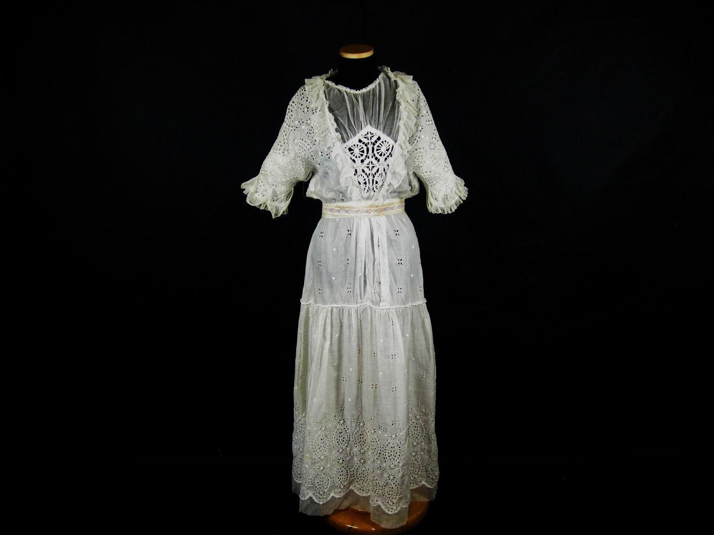 Edwardian White Dress // 1900s Tea Lingerie by ladyscarletts