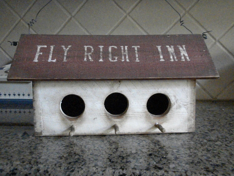 Fly Right Inn 3 Hole Birdhouse