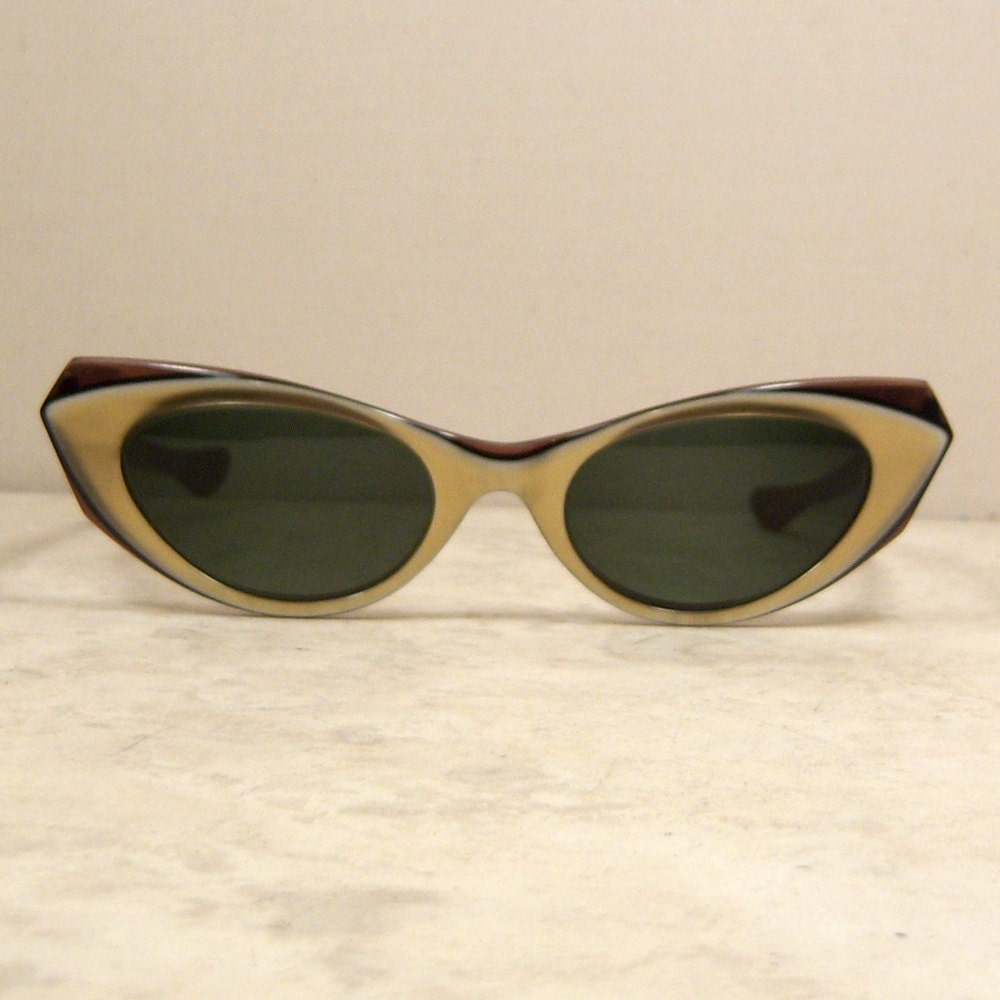 Ray Ban Vintage Glasses Frames : Ray Ban Vintage Cat Eye Sunglasses by LaBellaB on Etsy