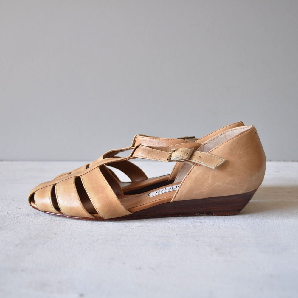 Vintage 80s PALE SAND T Strap Sandals by MariesVintage on Etsy from etsy.com