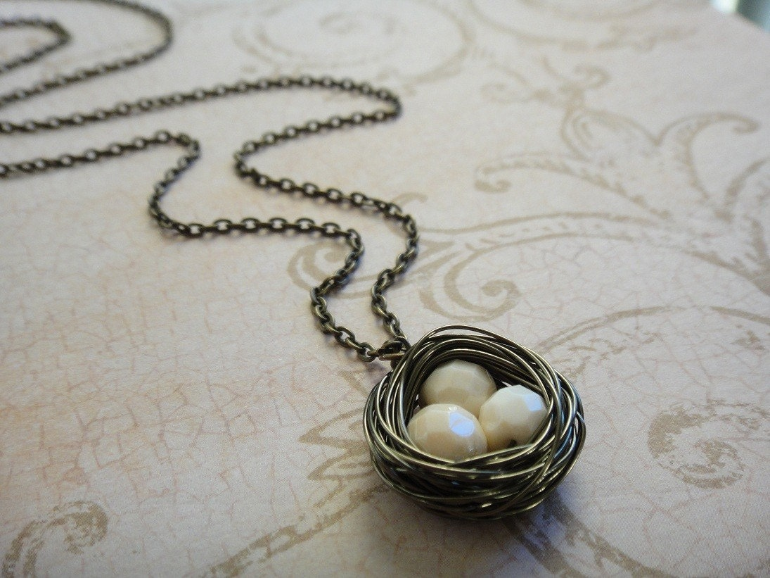 Cream White Bird's Nest Necklace in Antique Brass