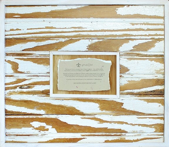 White Woodgrain Striped Frame