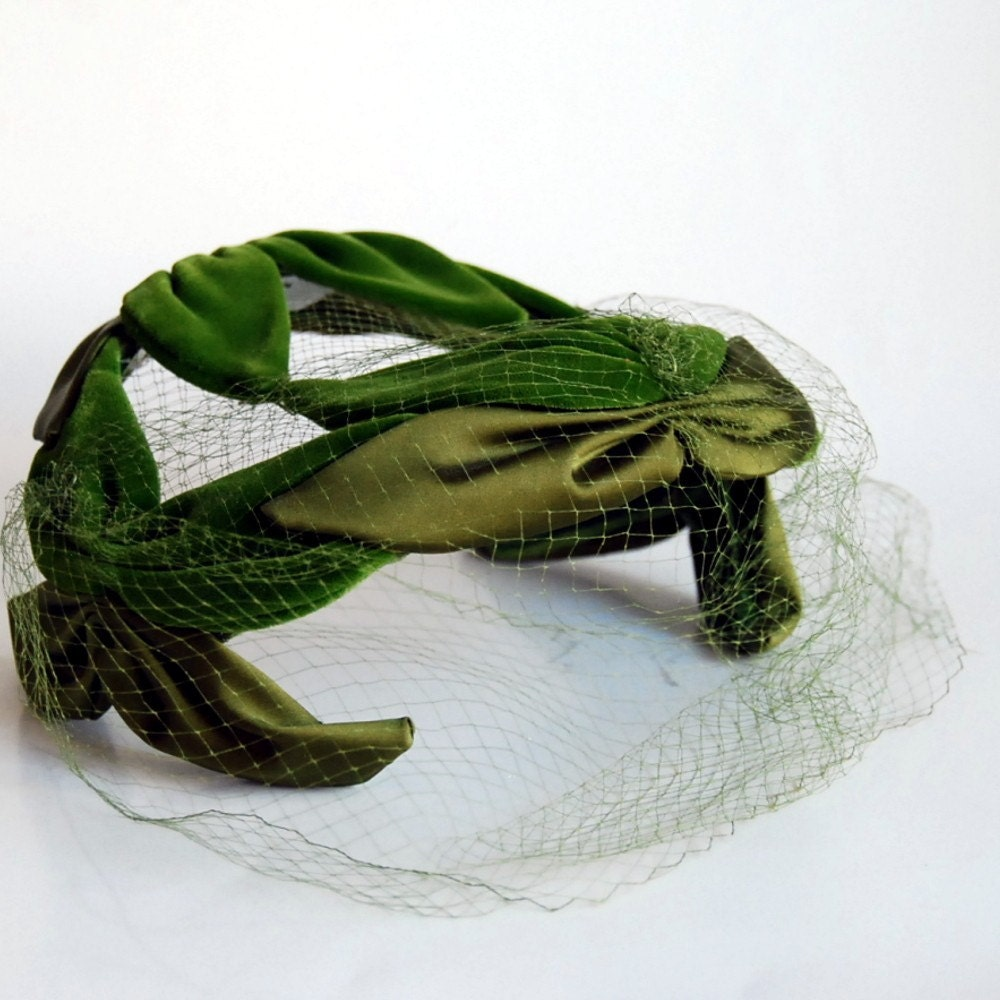 Vintage Green Velvet and Satin Cocktail Hat by CalloohCallay