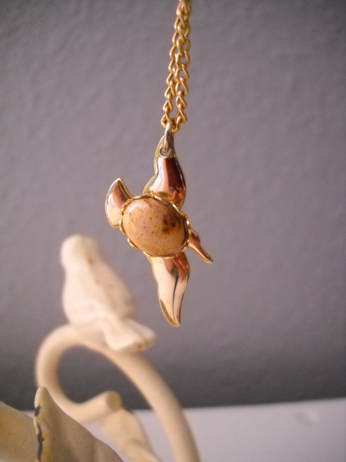Vintage Bird Necklace with Stone FREE SHIPPING